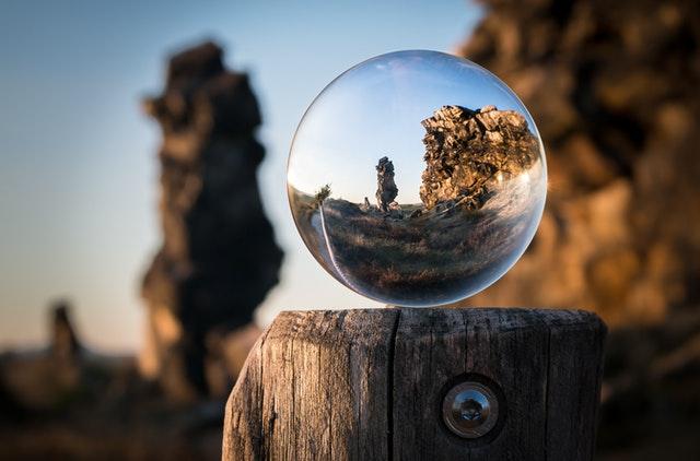 glaskula med bakgrund